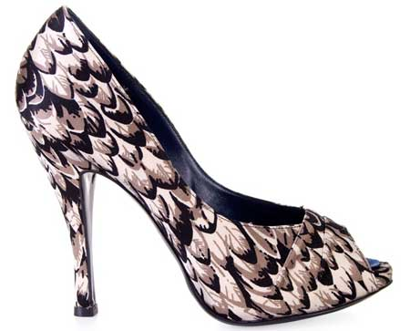feather-print-peep-toes