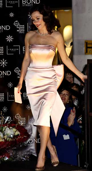Anna Friel switches on the Bond Street Christmas lights