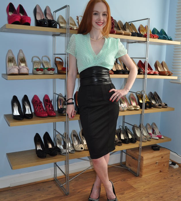 pencil skirt and high heels gt