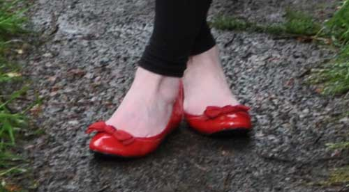 how to wear red flat shoes - photo #13