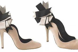 corsage-trim-court-shoes-from-new-look