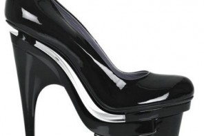 versae-Dvea-patent-leather-platform-pumps