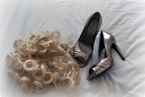 guess pewter peep toes