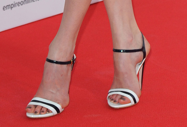 Shoes That Fit: Celebrity Supporters - Look to the Stars