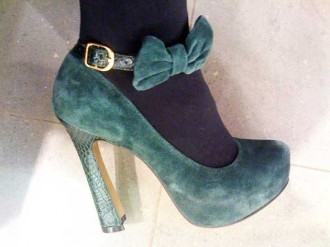 5d66ed95749f Shoe Shopping With Shoeperwoman  River Island green suede flared heel bow  platforms