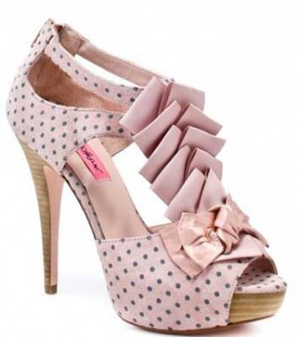 betsey-johnson-pink-shoes
