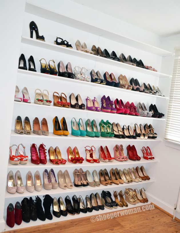 shoe storage shelves a shoe solution fit for a shoeperwoman shoeperwoman. Black Bedroom Furniture Sets. Home Design Ideas