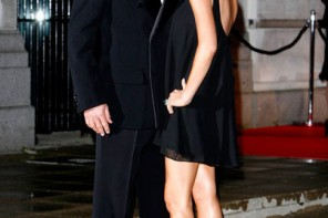 victoria-beckham-banned-from-wearing-high-heels