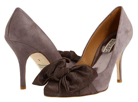 badgley mischka bow pumps