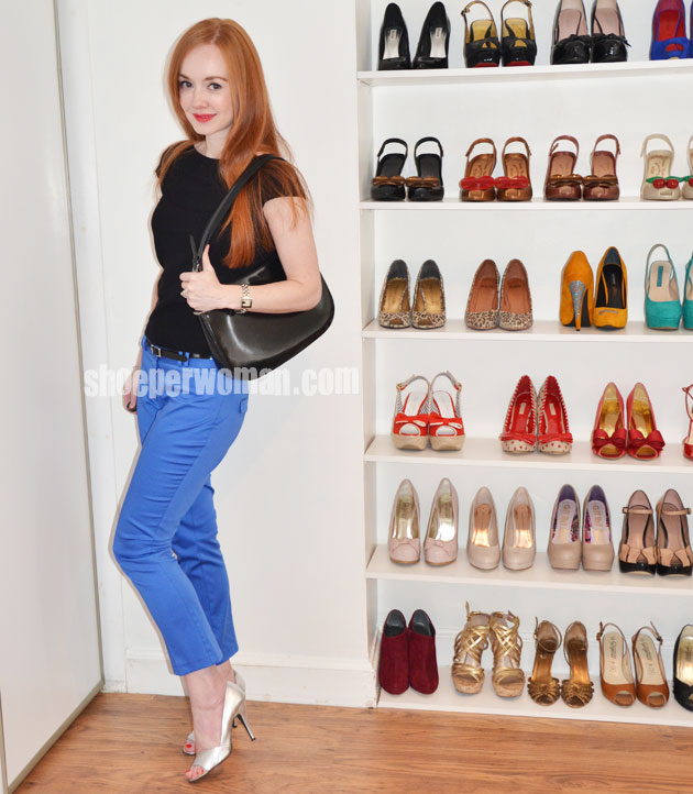 Shoeperwoman outfit featuring blue trousers and silver shoes