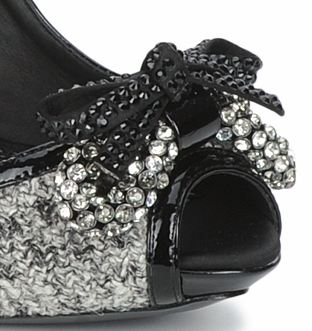 Bourne shoes with bow on toe