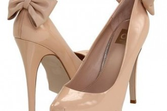 Nude platform shoes with bow