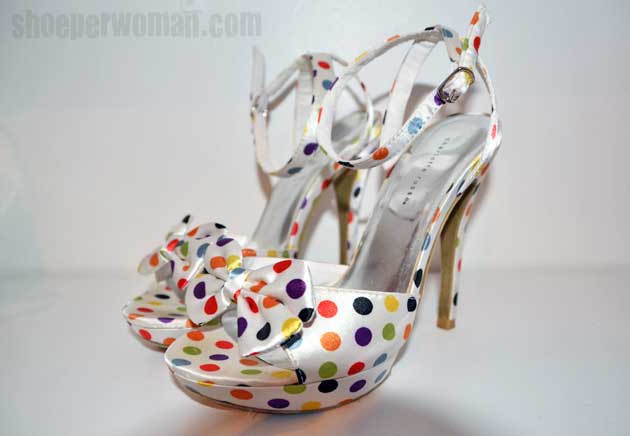 Polka dot sandals with high heel and bow