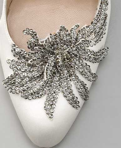 swan pumps manolo blahnik