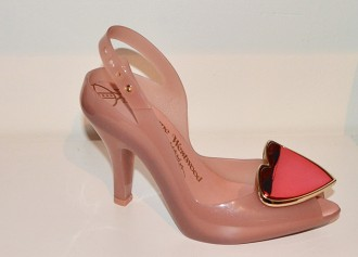 pink Lady Dragon shoes with heart