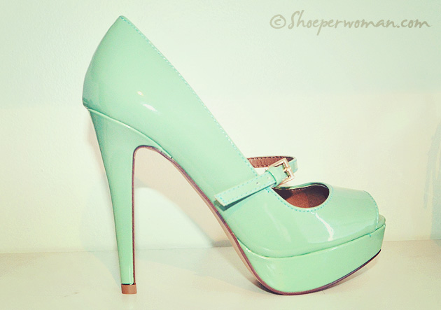 mint green stiletto shoes
