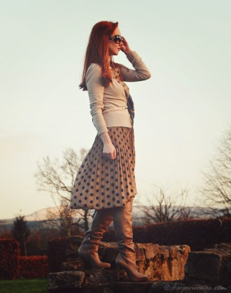 Shoeperwoman in Sam Edelman boots and polka dot dress