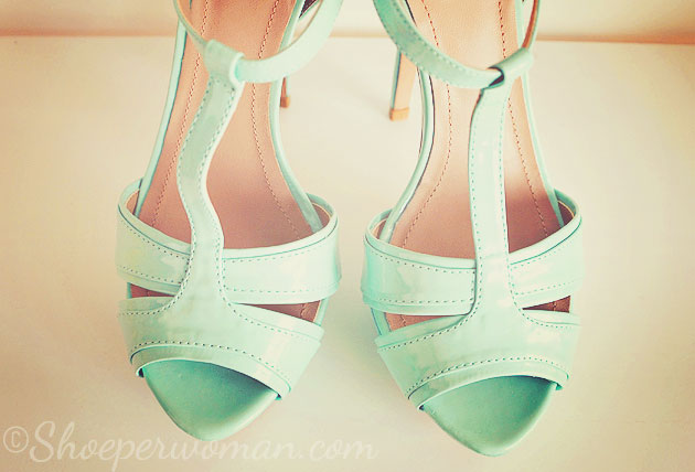Shoe Review: Zara mint green t-bar platform sandals > Shoeperwoman