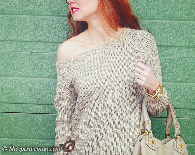 Shoeperwoman in gold sweater