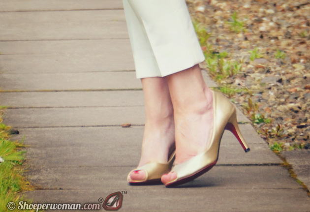 Gold New Look peep toes