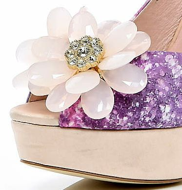 flower on shoes