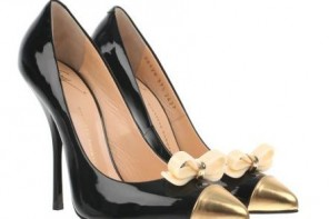 539080d8070 ASOS 'Stand Out' low heeled pink velvet pumps > Shoeperwoman