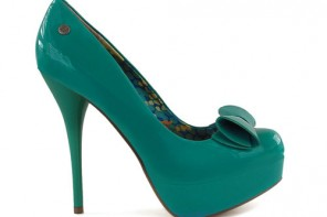 green patent shoes