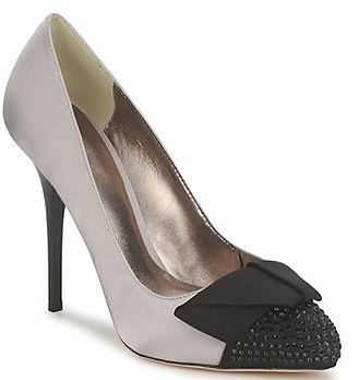 Bourne toecap pumps