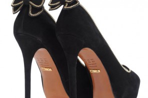 Schutz classic black pumps with bow on heel