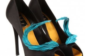 Roger Vivier feather-trimmed black satin peep toe shoes