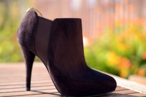 Guess 'Carden' brown suede shoe boots