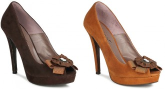 Fericelli 'Diquelle' brown suede peep toes with rosette
