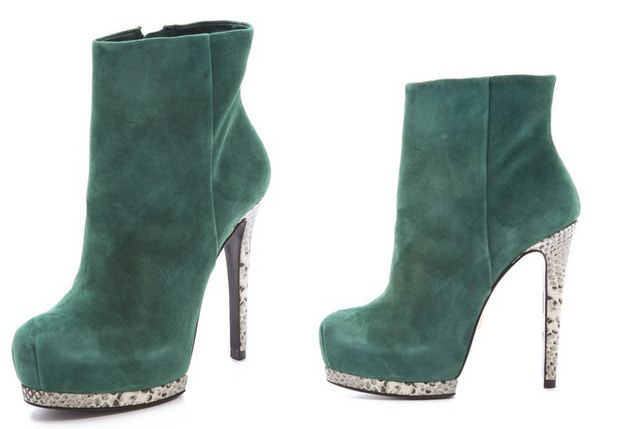 green boots Archives >