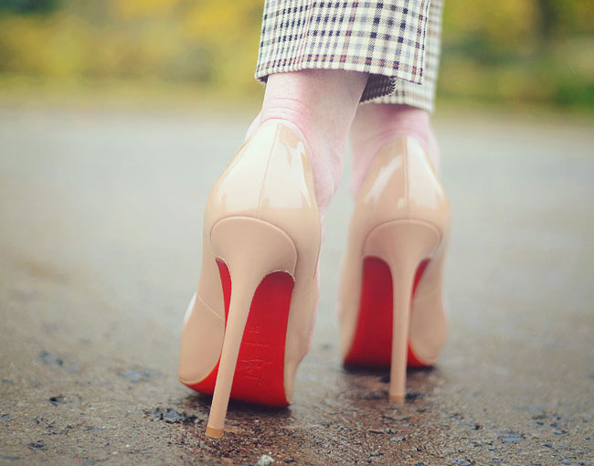 how-to-walk-in-high-heels