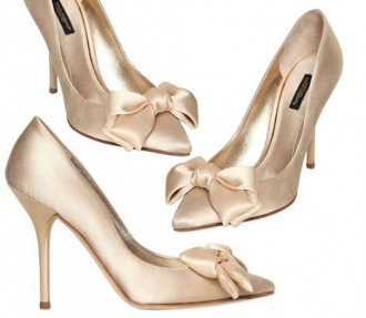 Bridal Shoes: Dolce & Gabbana satin bow pumps