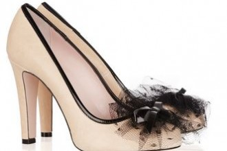 nude shoes with tulle bow