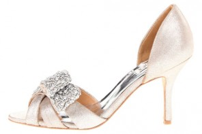 low heeled sandals with diamate bow