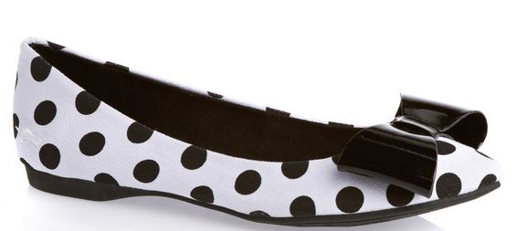 polka dot shoe with bow