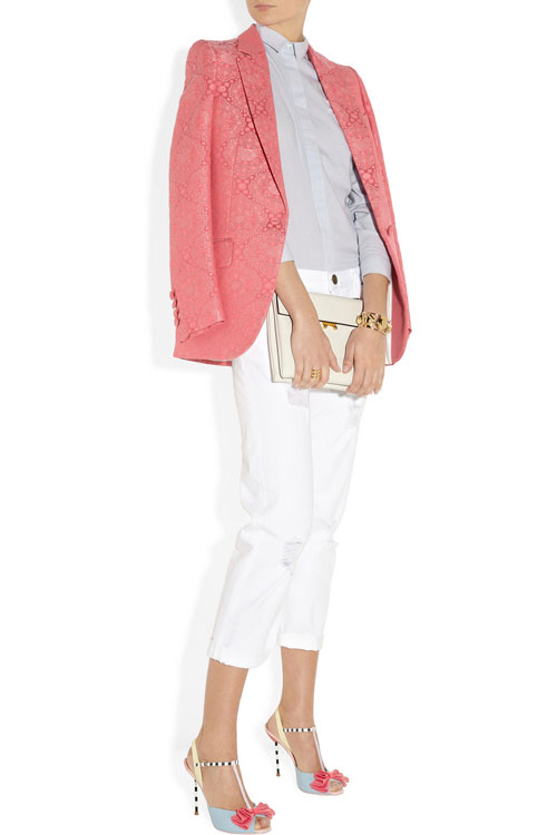outfit with coral jacket and white jeans