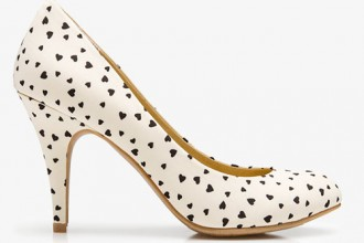 Forever 21 white shoes with heart print pattern