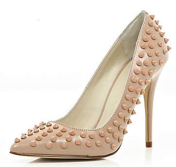 nude pumps with studs