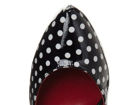 polka dot pointed toe