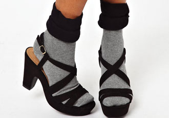 socks-with-sandals