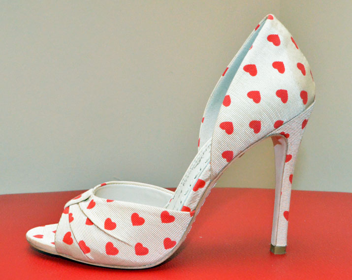 Alice & Olivia Gigi heart-print shoes