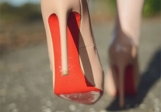 walking-in-Louboutins