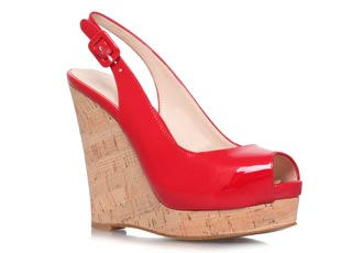 what-to-wear-with-red-cork-wedges