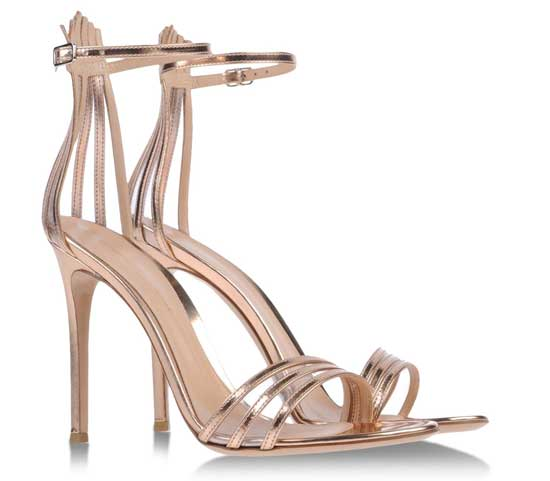 Gianvito Rossi gold strappy sandals > Shoeperwoman
