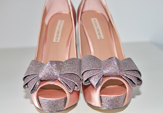 Shoe Review | Menbur 'Inyo' pink satin peep toes with glitter bow