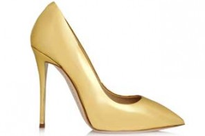 gold-pointed-shoes