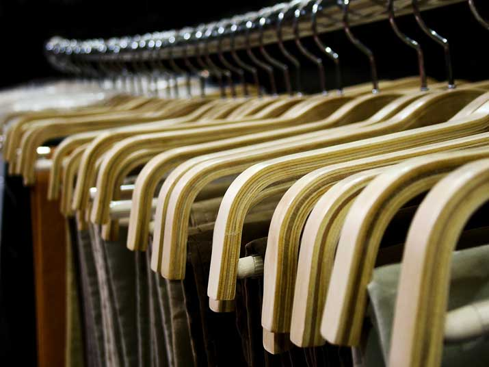 where to sell old clothes: consignment